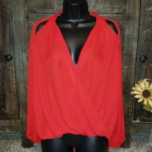 Sz S INC International concepts Red Top